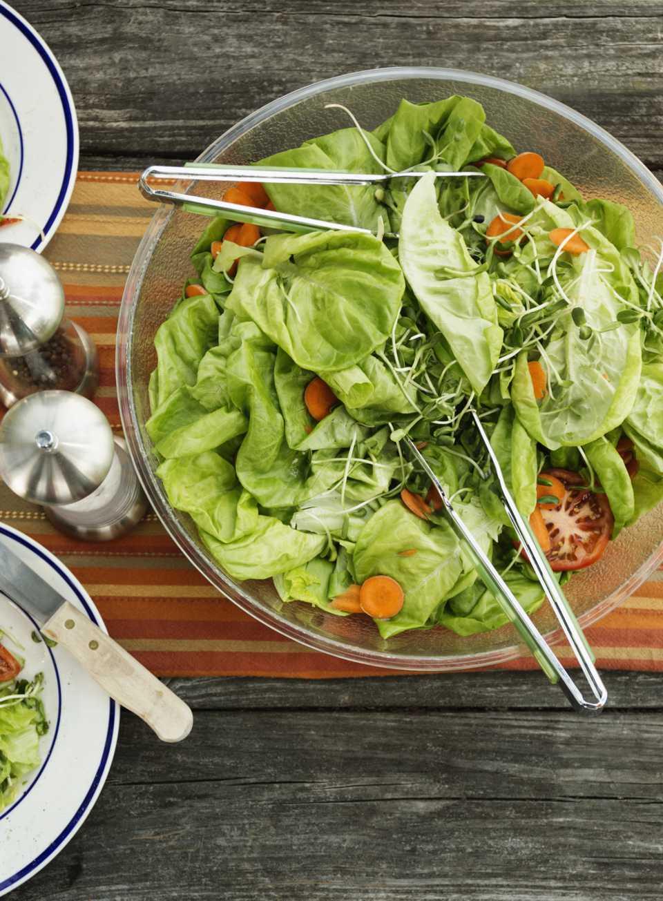 Aderezo de ensalada alemana para ensalada de lechuga (Salsa de salsa)