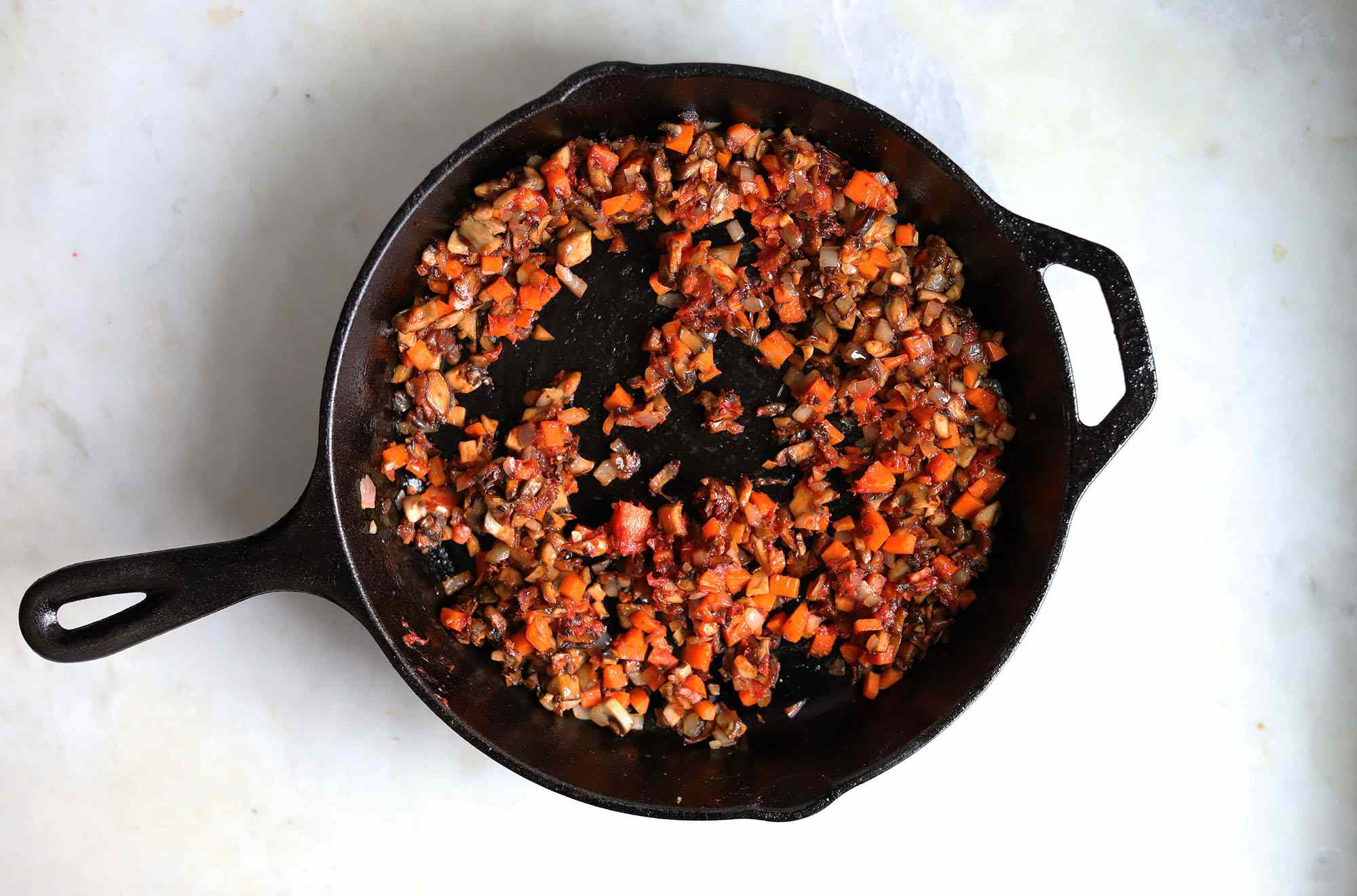 tomato paste with mushroom and carrots