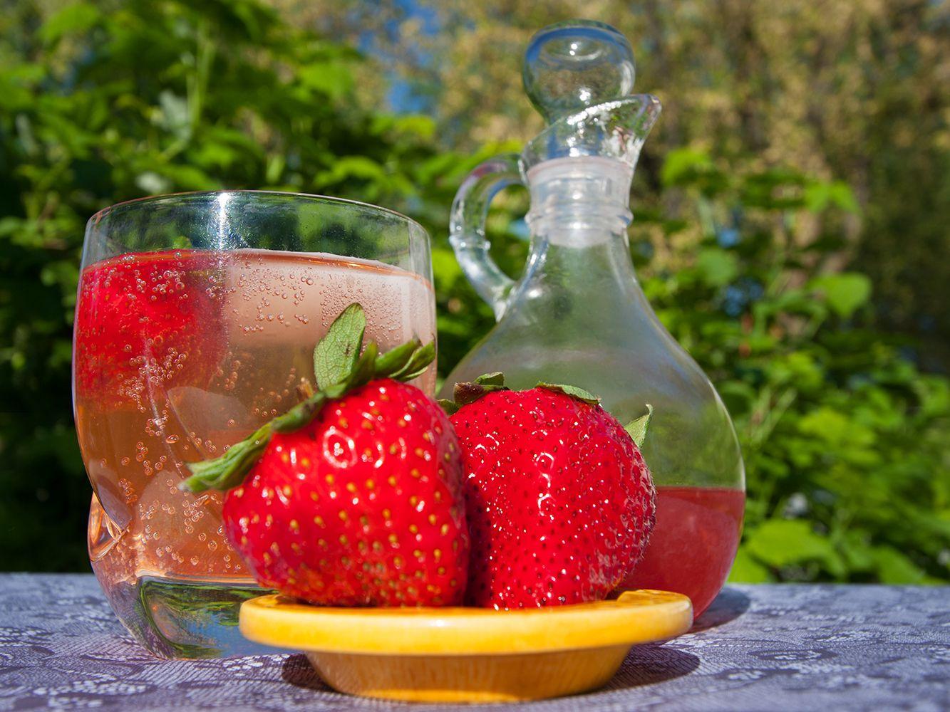Strawberry Gin and Tonic Recipe