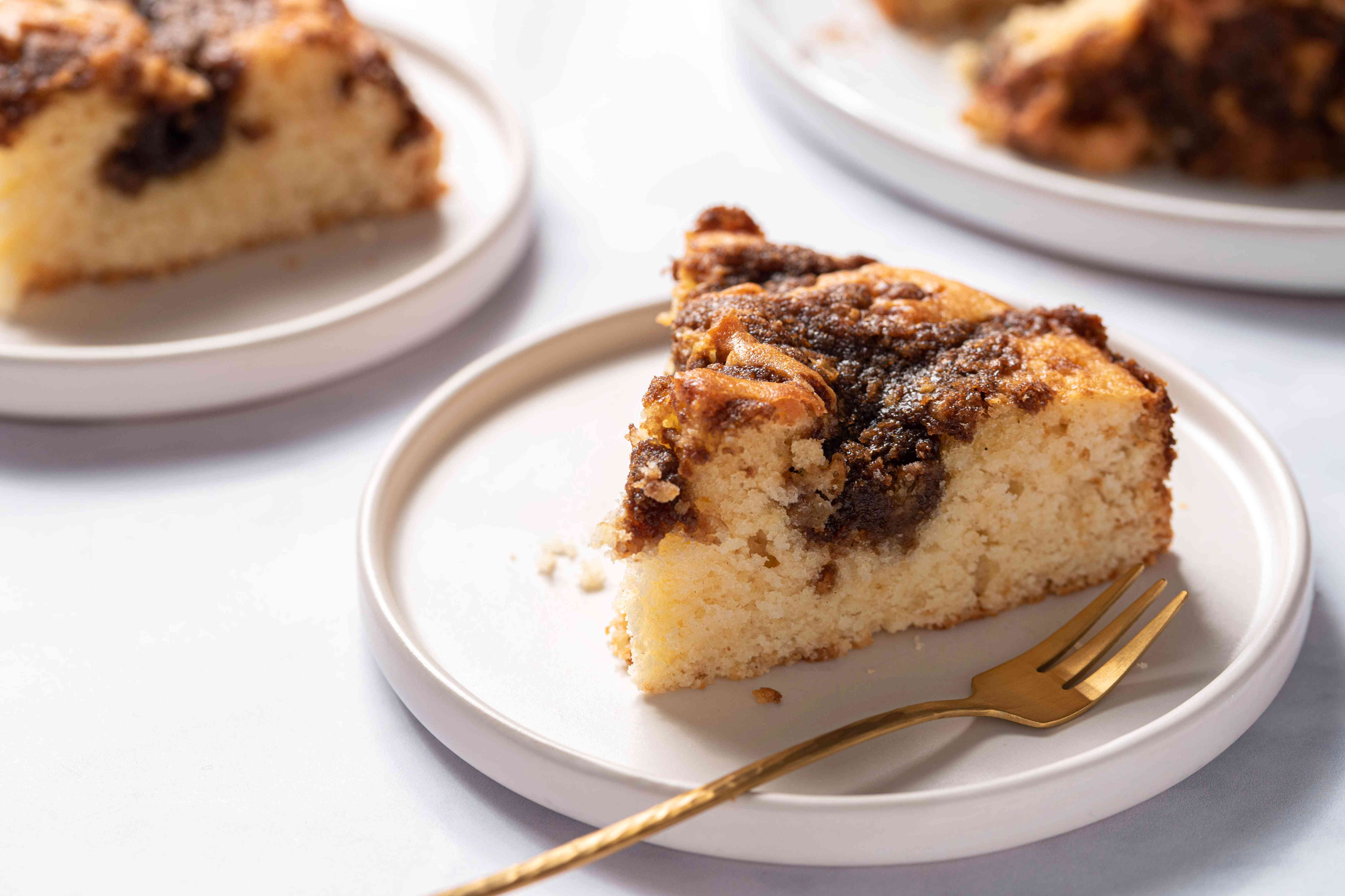 Coffee Cake With Brown Sugar and Cinnamon Streusel Topping