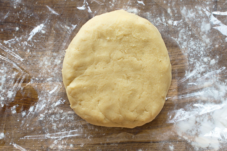 step by step sugar cookie recipe - flatten dough