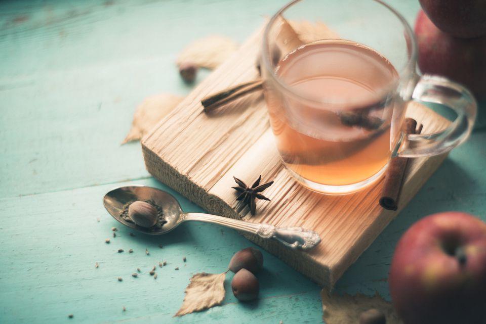 Bebida rusa de miel caliente (Sbiten)