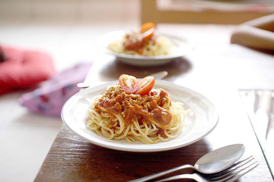 Spaghetti with creamy meat sauce
