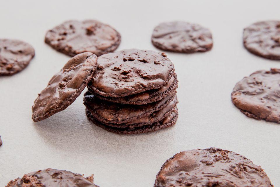Chocolate Almond Macaron Cookies With Egg Whites
