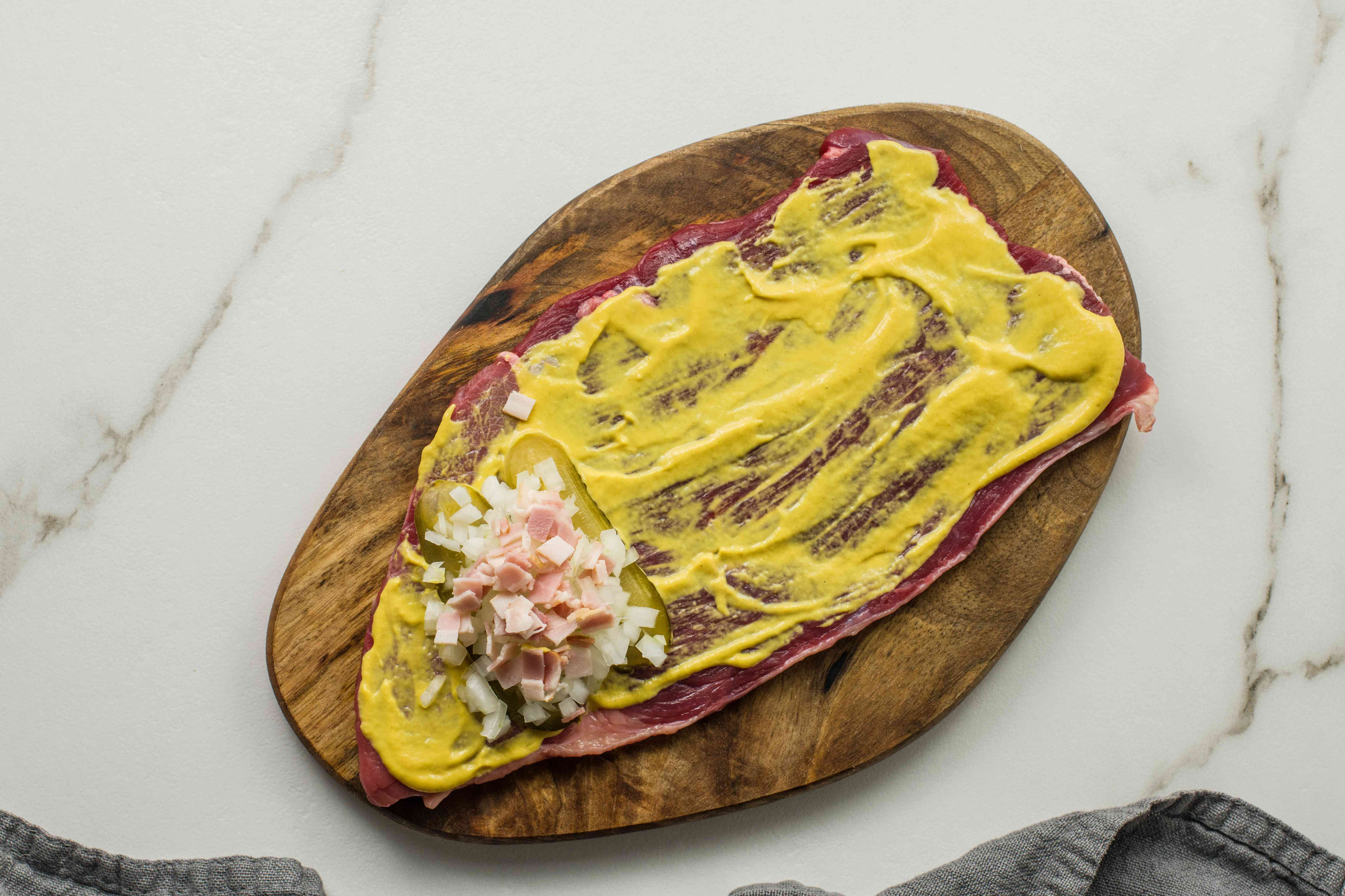 Spread mustard