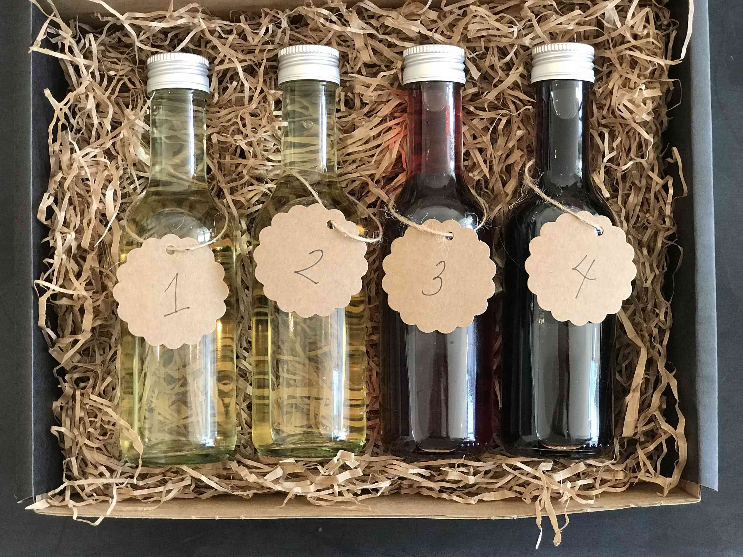 salut-wine-studio-blind-tasting-kit-beginners