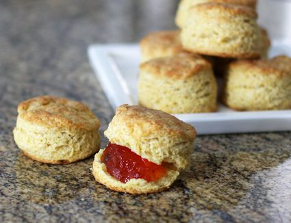 Cornmeal biscuits with pepper jelly