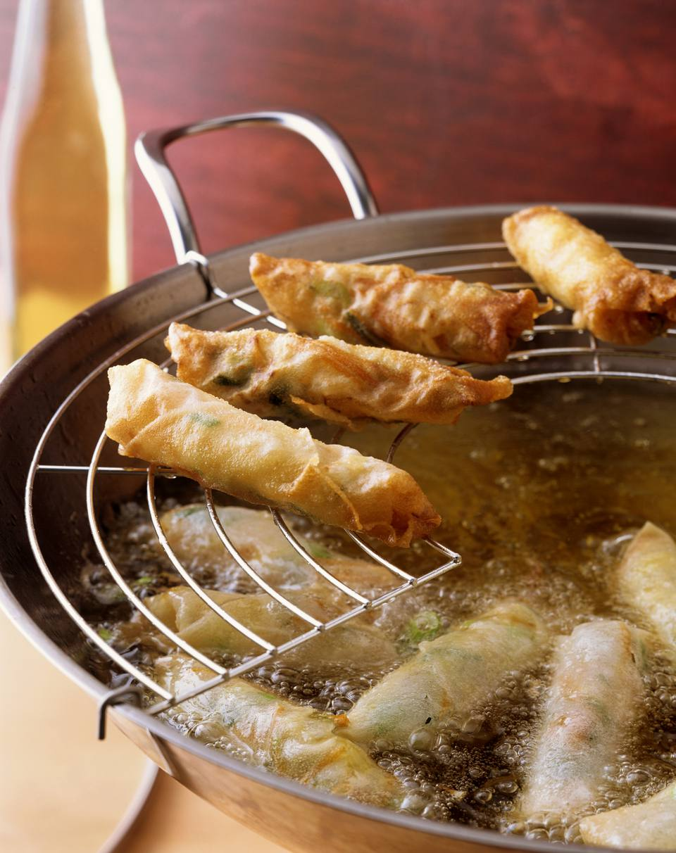 Deep-fried spring rolls with vegetable filling