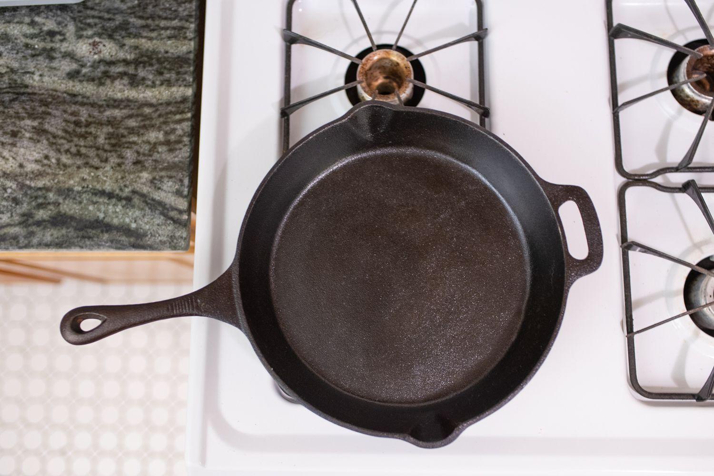 18 inch cast iron skillet