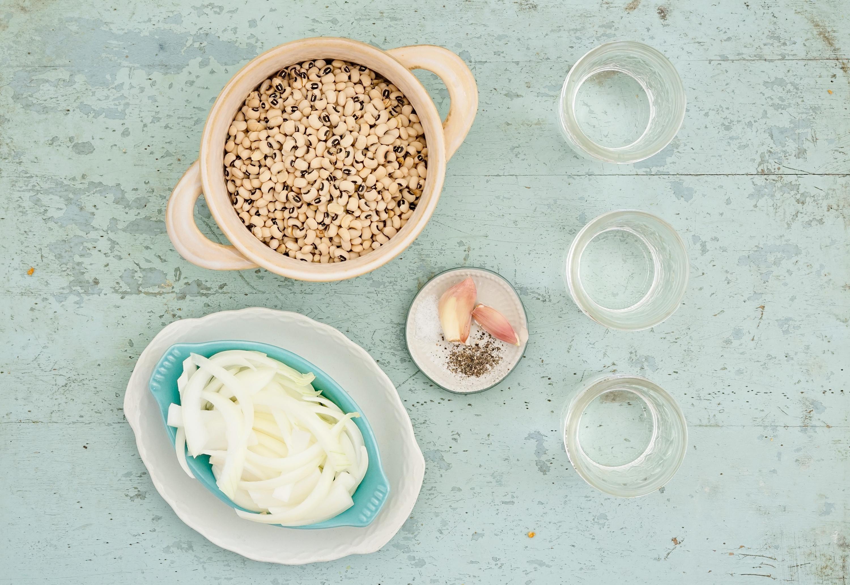 Vegetarian slow-cooker black-eyed peas ingredients