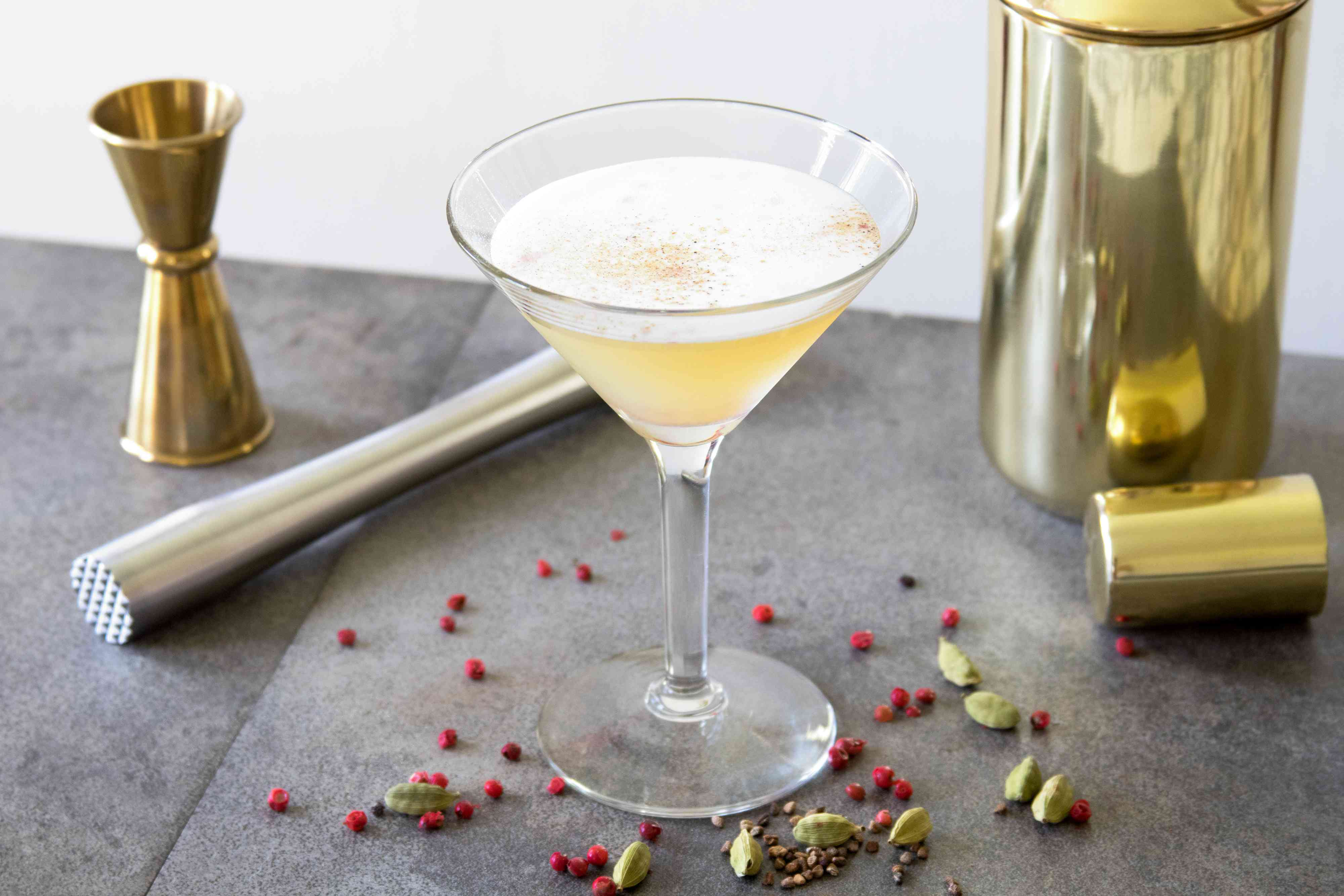 Aura in Me Cocktail With Cardamom and Pink Peppercorn