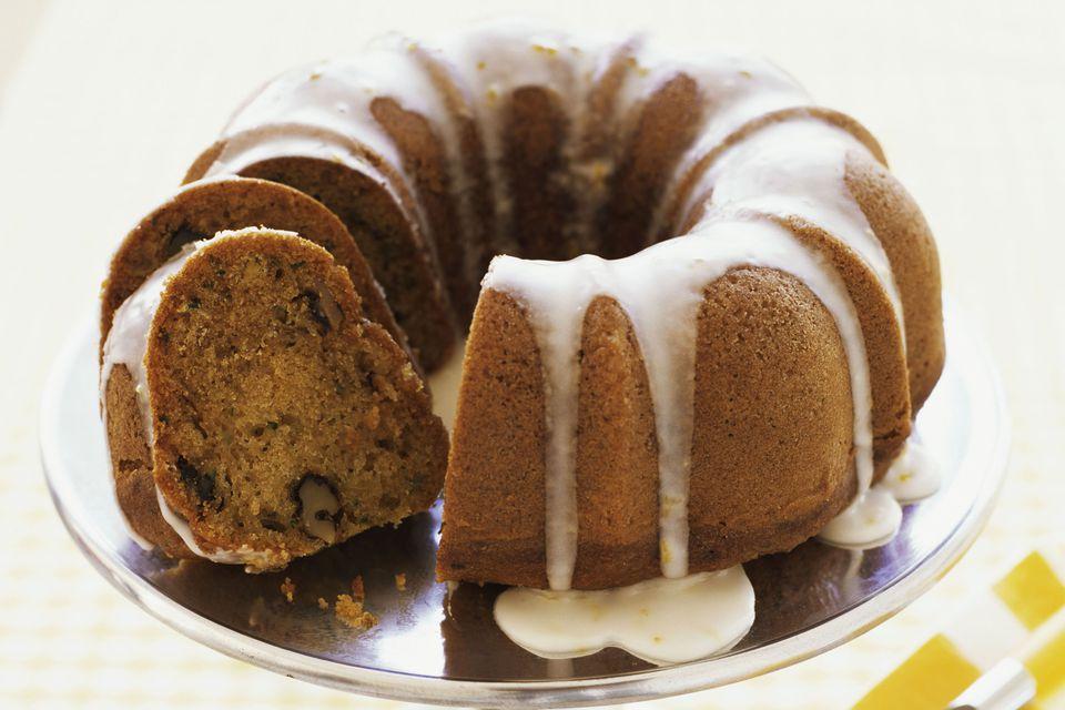 Receta de pastel de calabacín y avena Bundt