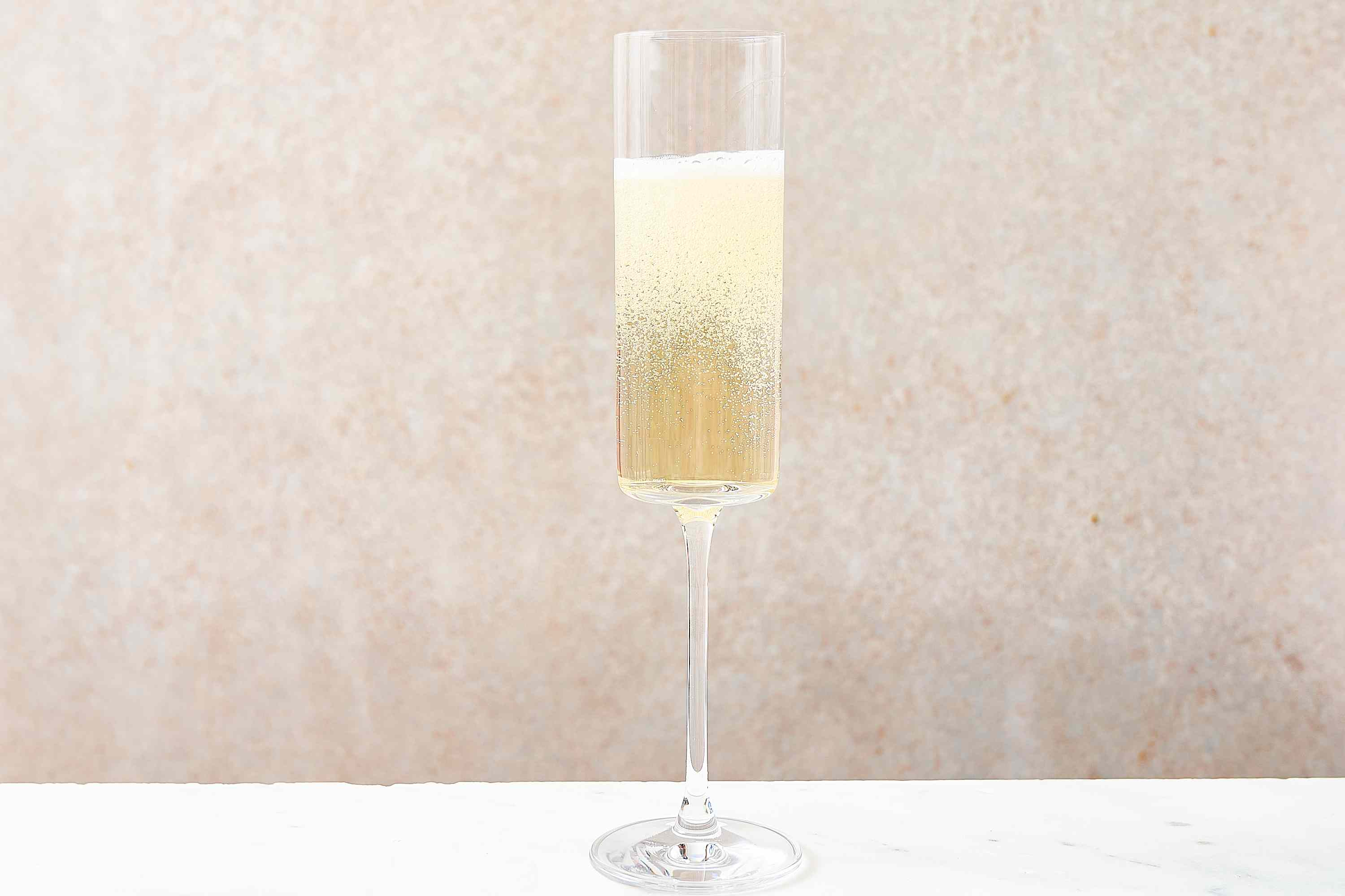 champagne in flute