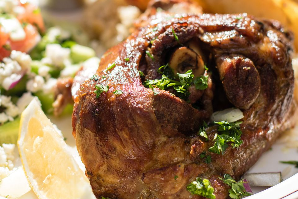 leg of lamb with lemon and herbs