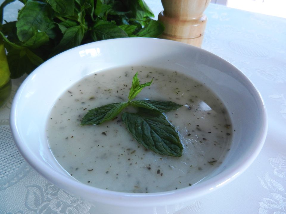 Turkish 'yayla çorbası' is made with rice, plain yogurt and mint.