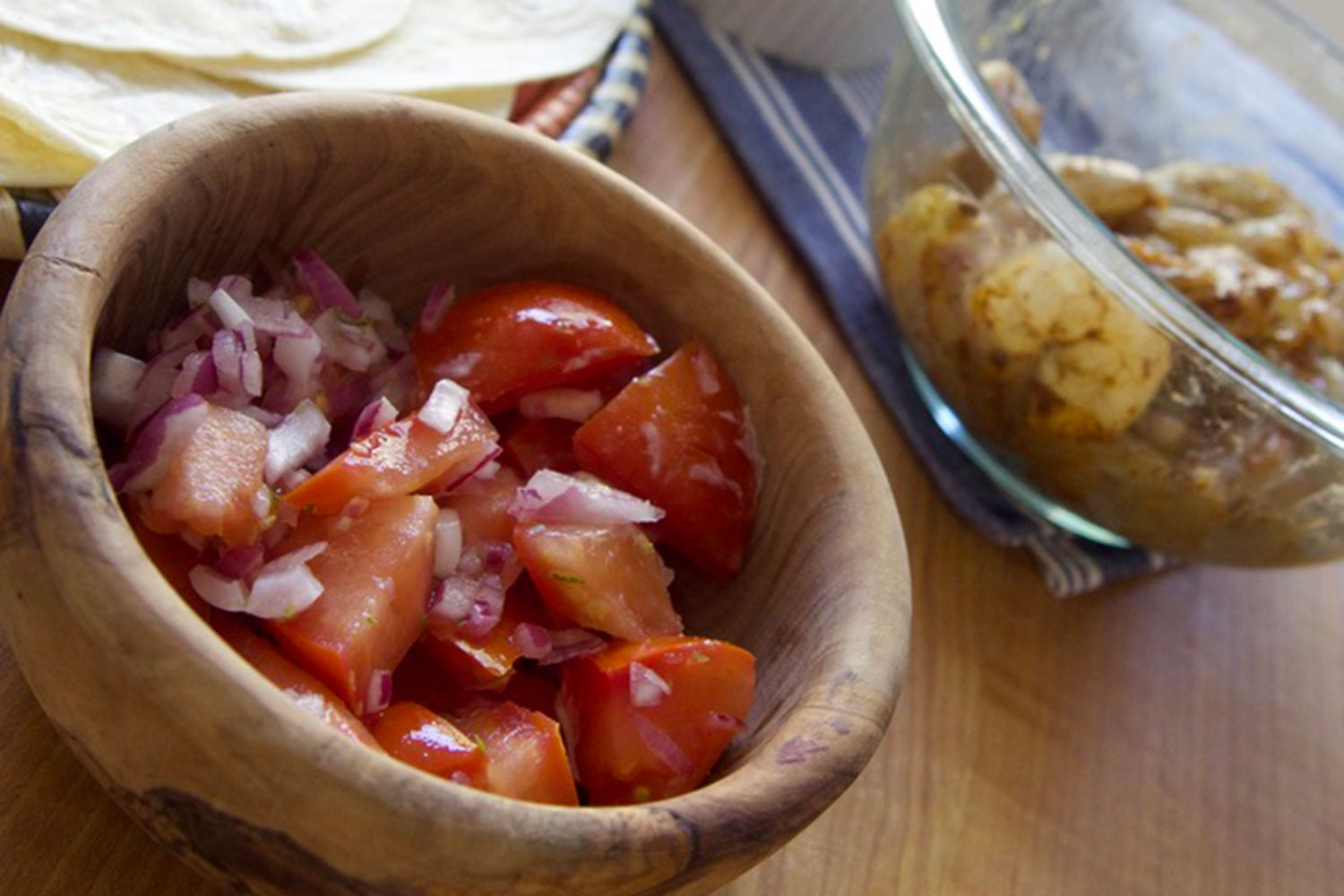 HelloFresh tomatoes and onions in bowl