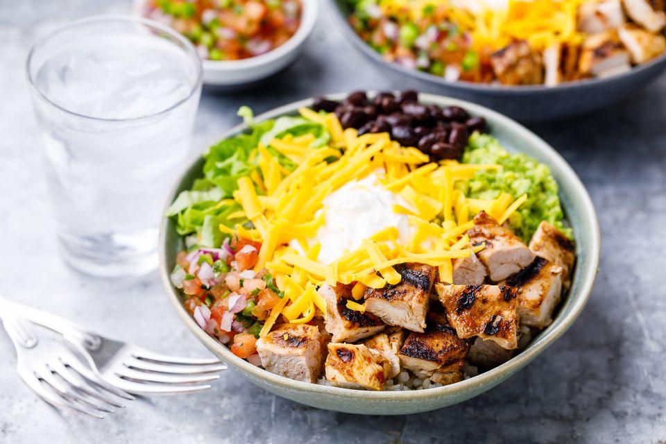 Copycat chipotle chicken burrito bowl recipe