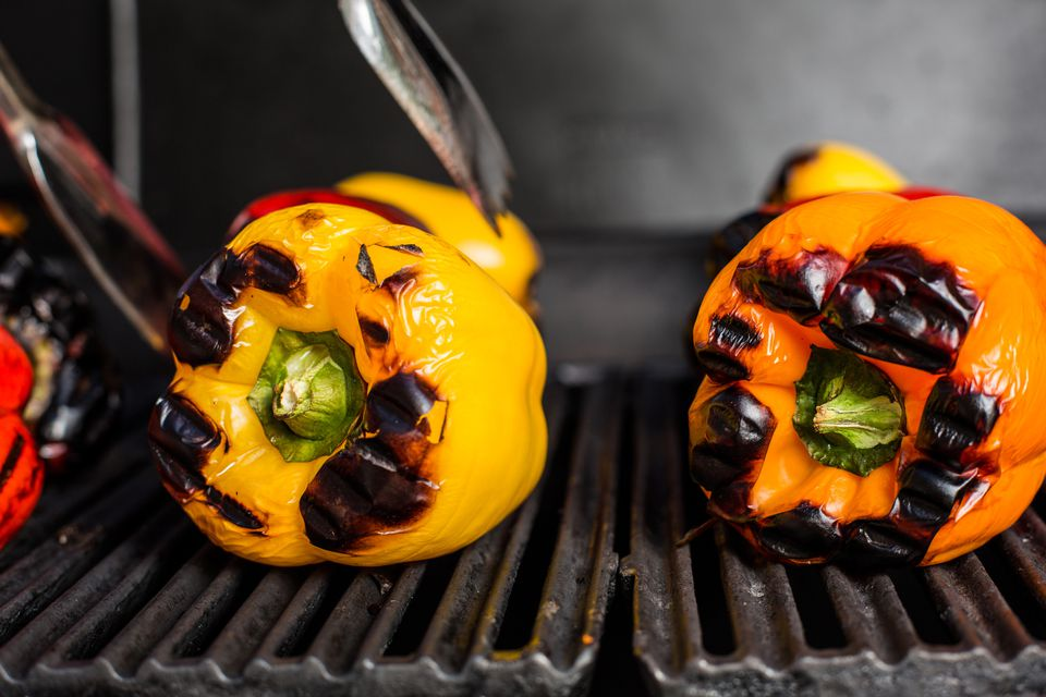 Grilling peppers