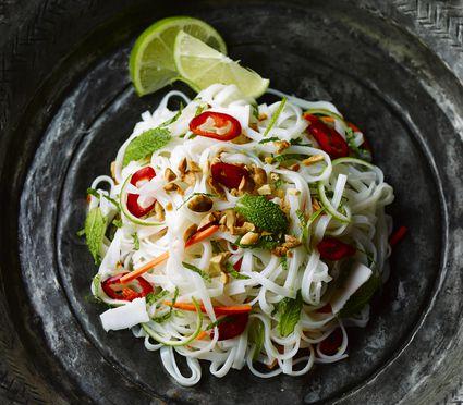 Thai vegetarian rice noodles