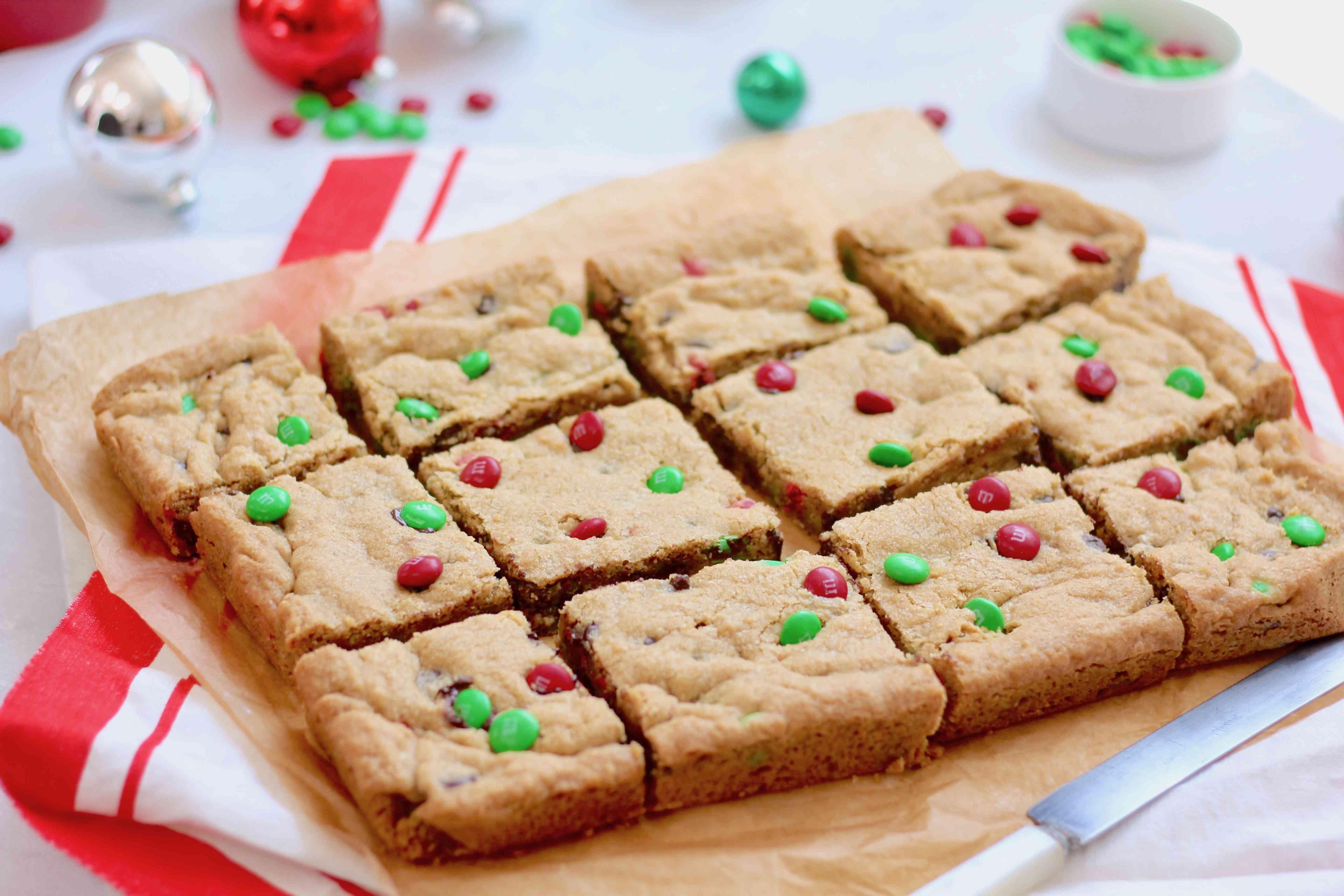 M&M Christmas Cookie Bars