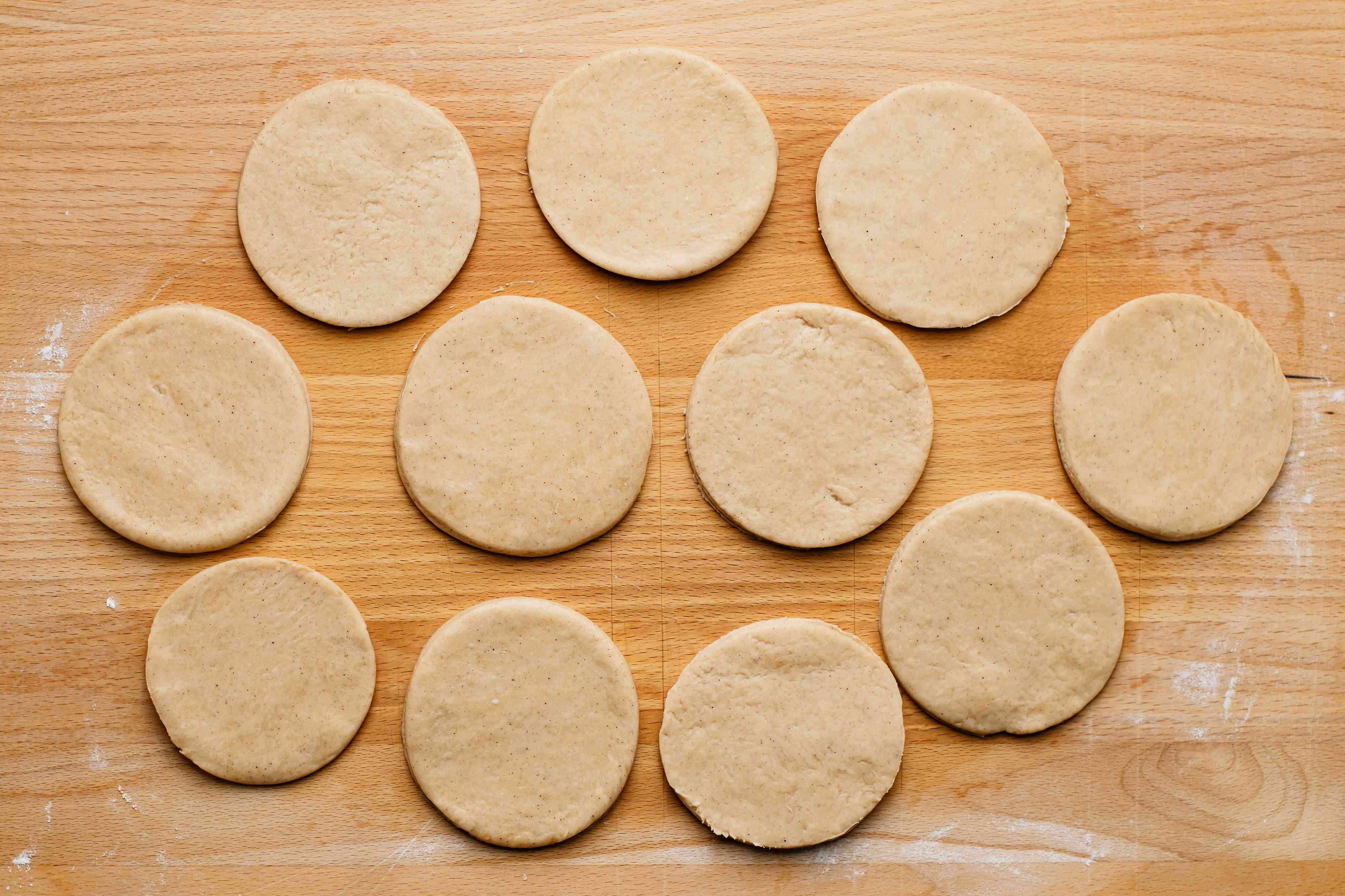 empanada dough pieces