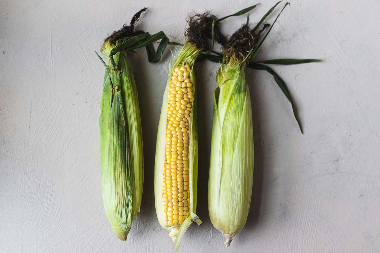 Ingredients for steamed corn