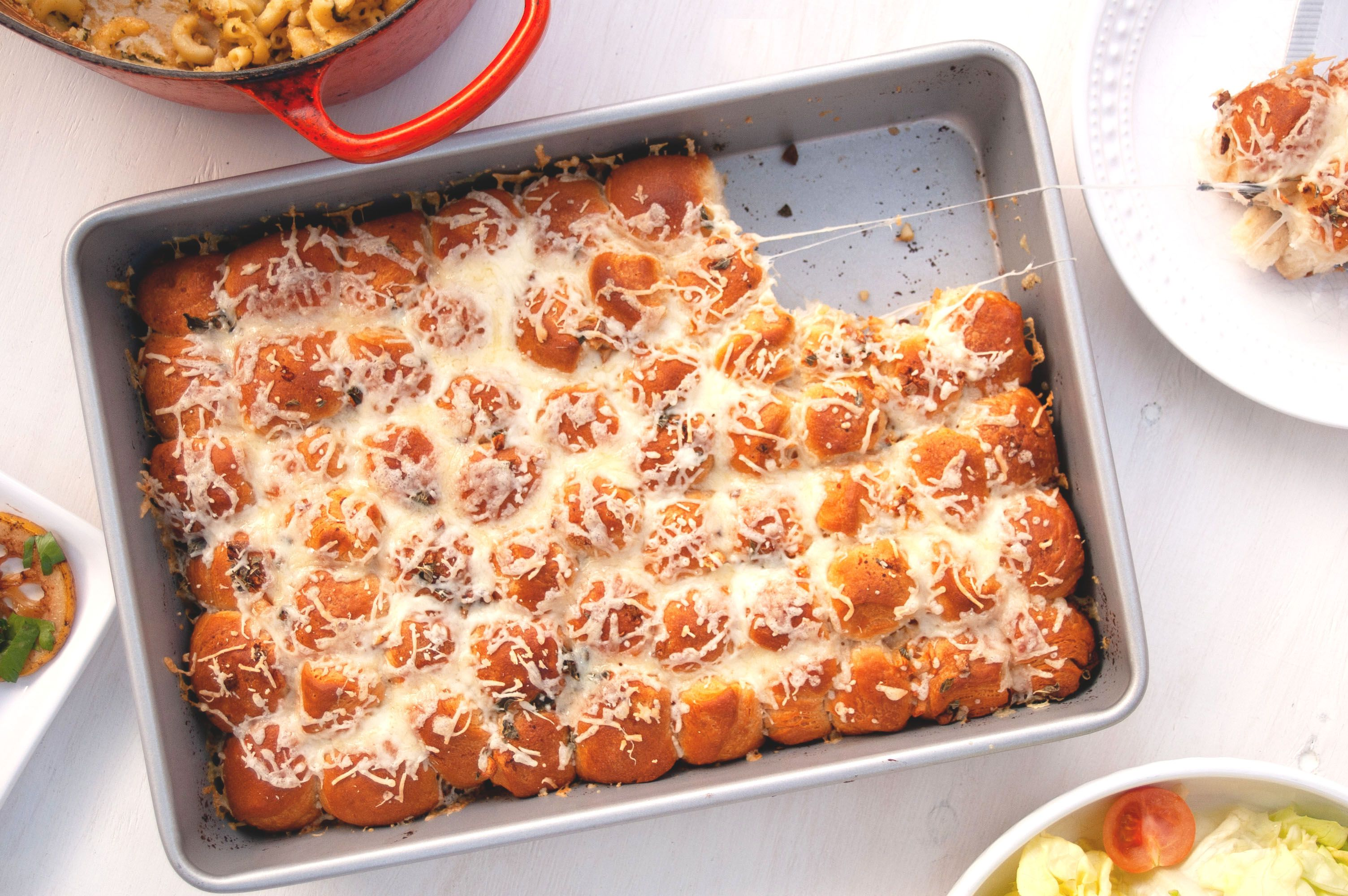 Cheesy Garlicky Bubble Bread Is Easy to Make and Fun to Share