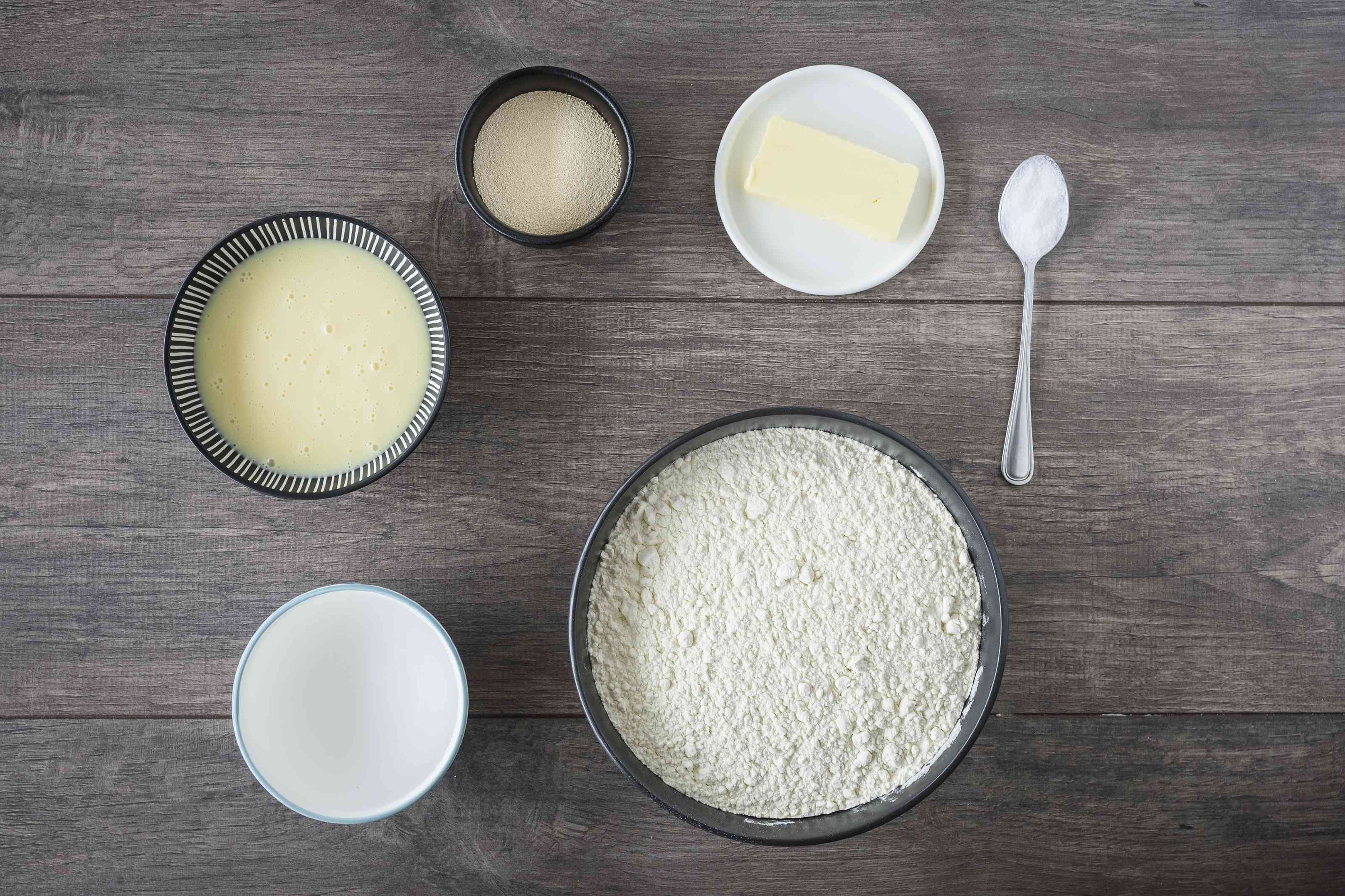 Ingredients for white bread made with cornbread