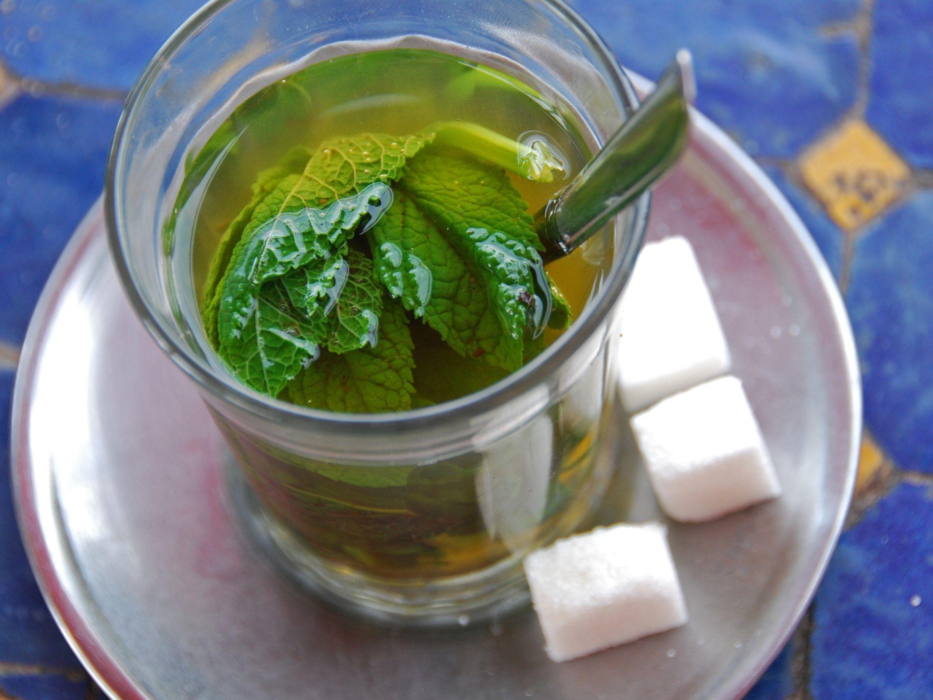 10 Great DIY Mint Tea Blends