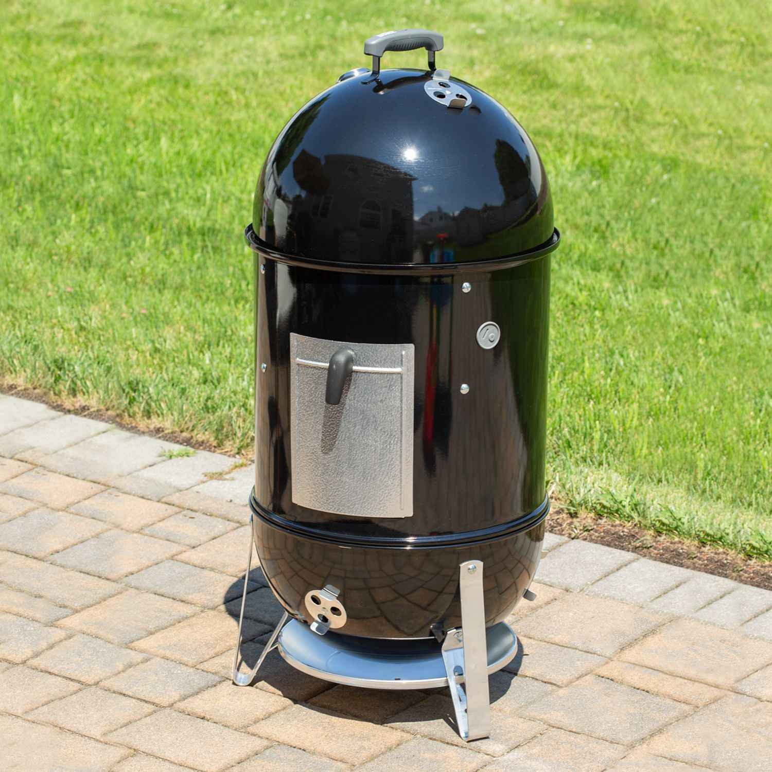 Weber Smokey Mountain 18-Inch Smoker Review: Manual Smoking Made Easy