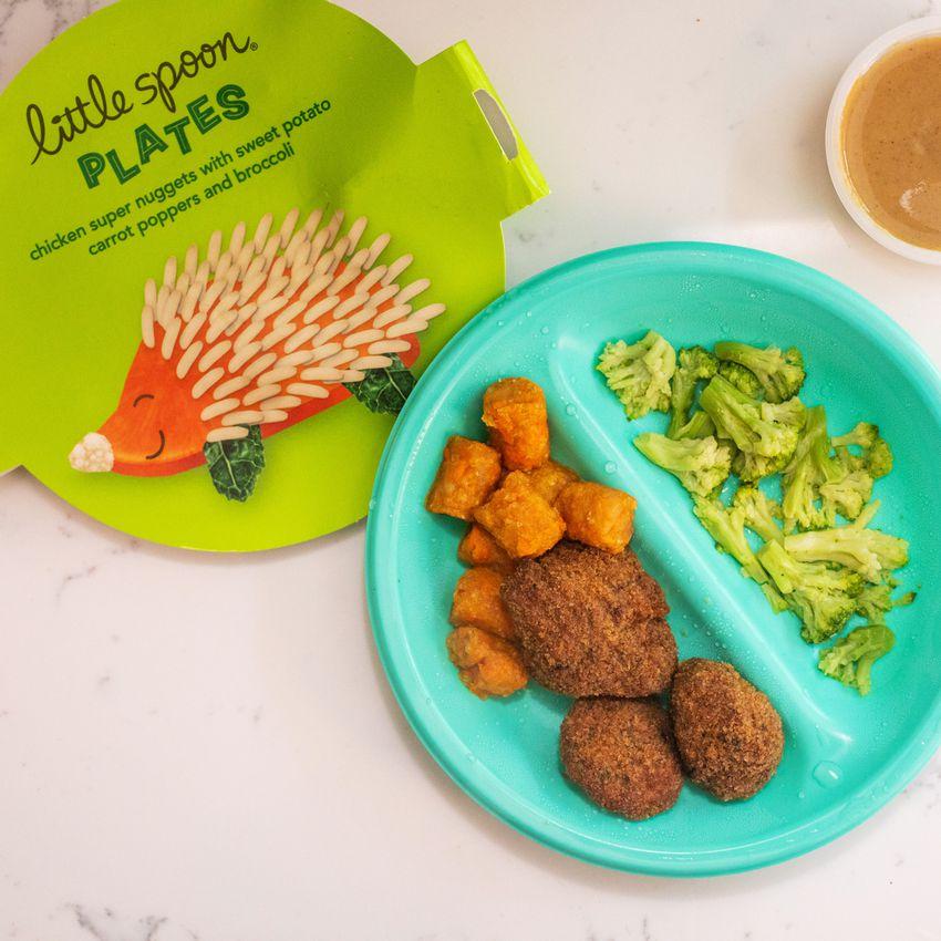 Little Spoon meal on blue plate