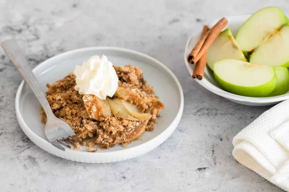 Apple Crisp With Brown Sugar Oat Topping
