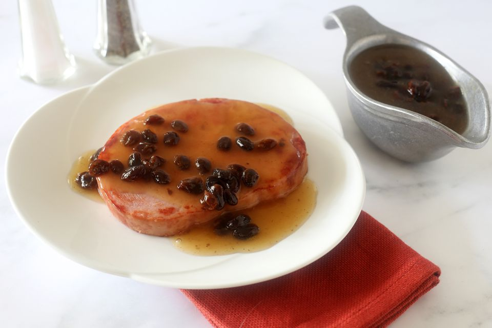 ham slice with raisin sauce
