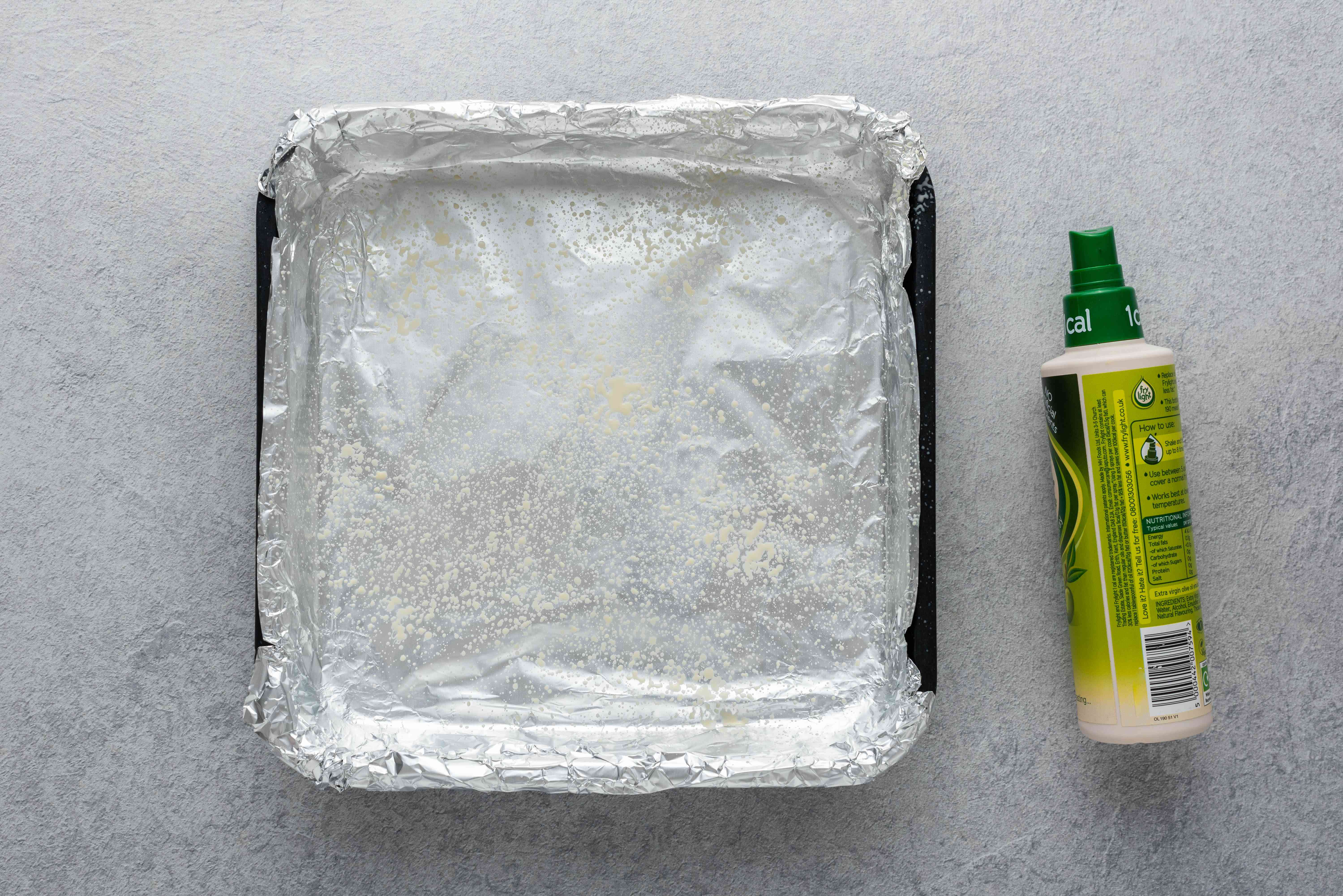 greased aluminum foil lined baking pan