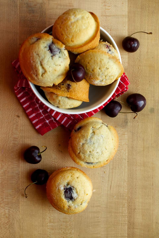 Muffins de cereza fáciles