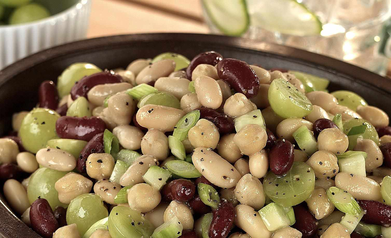 Grape salad recipe with three beans - the perfect cooling summer salad