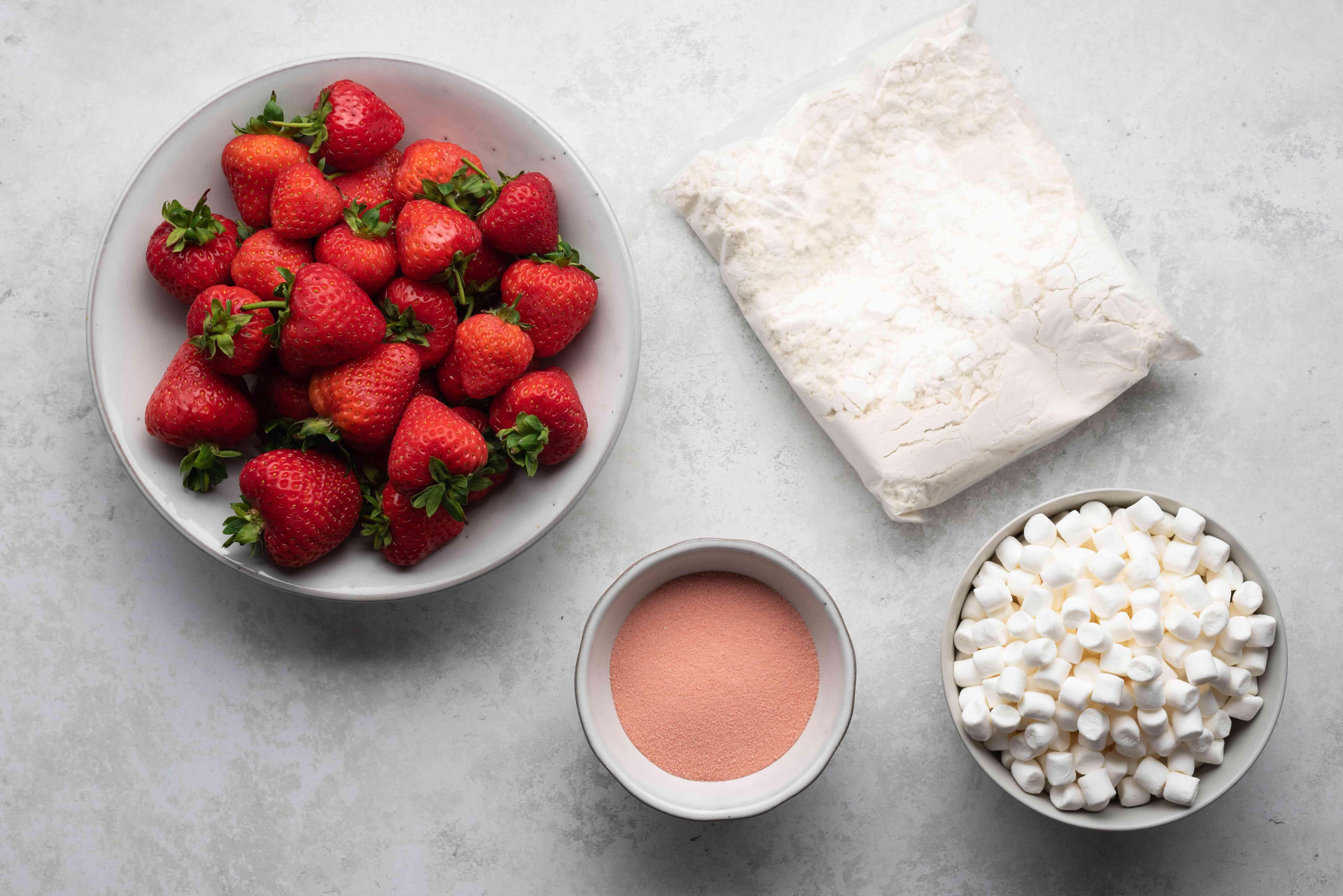 Easy Strawberry Shortcut Cake ingredients