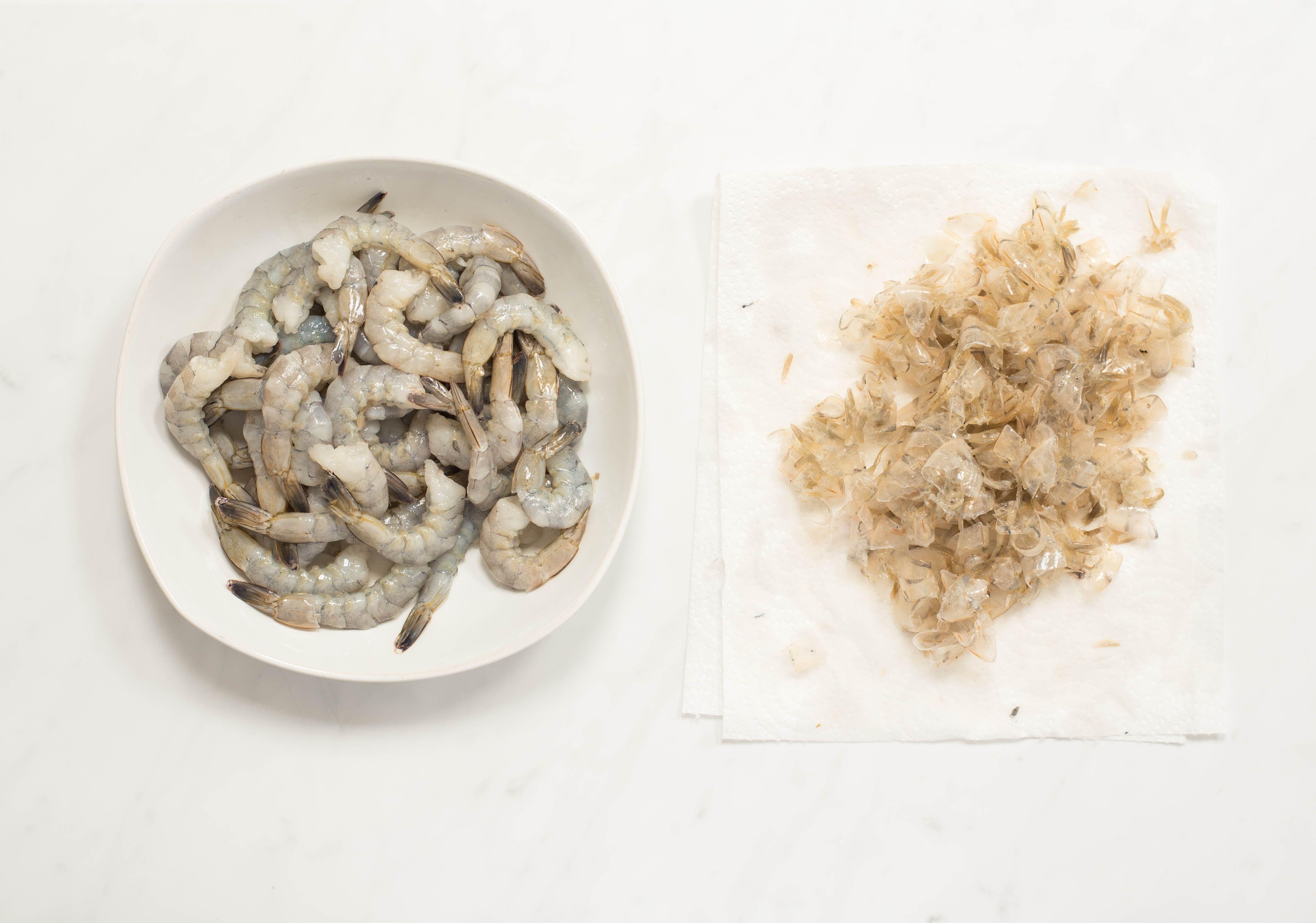 Peel the shrimp