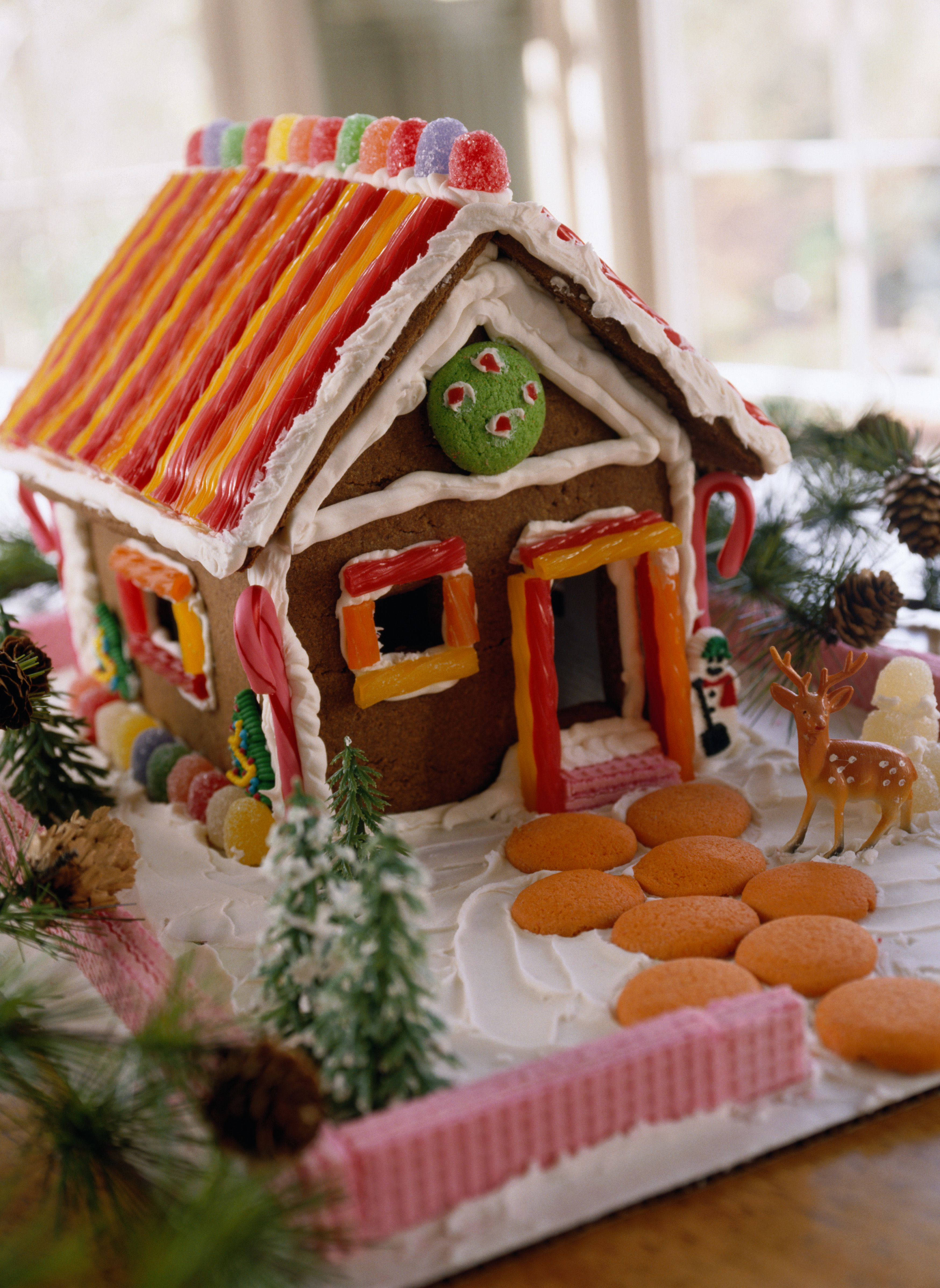 Graham Cracker Gingerbread Houses with