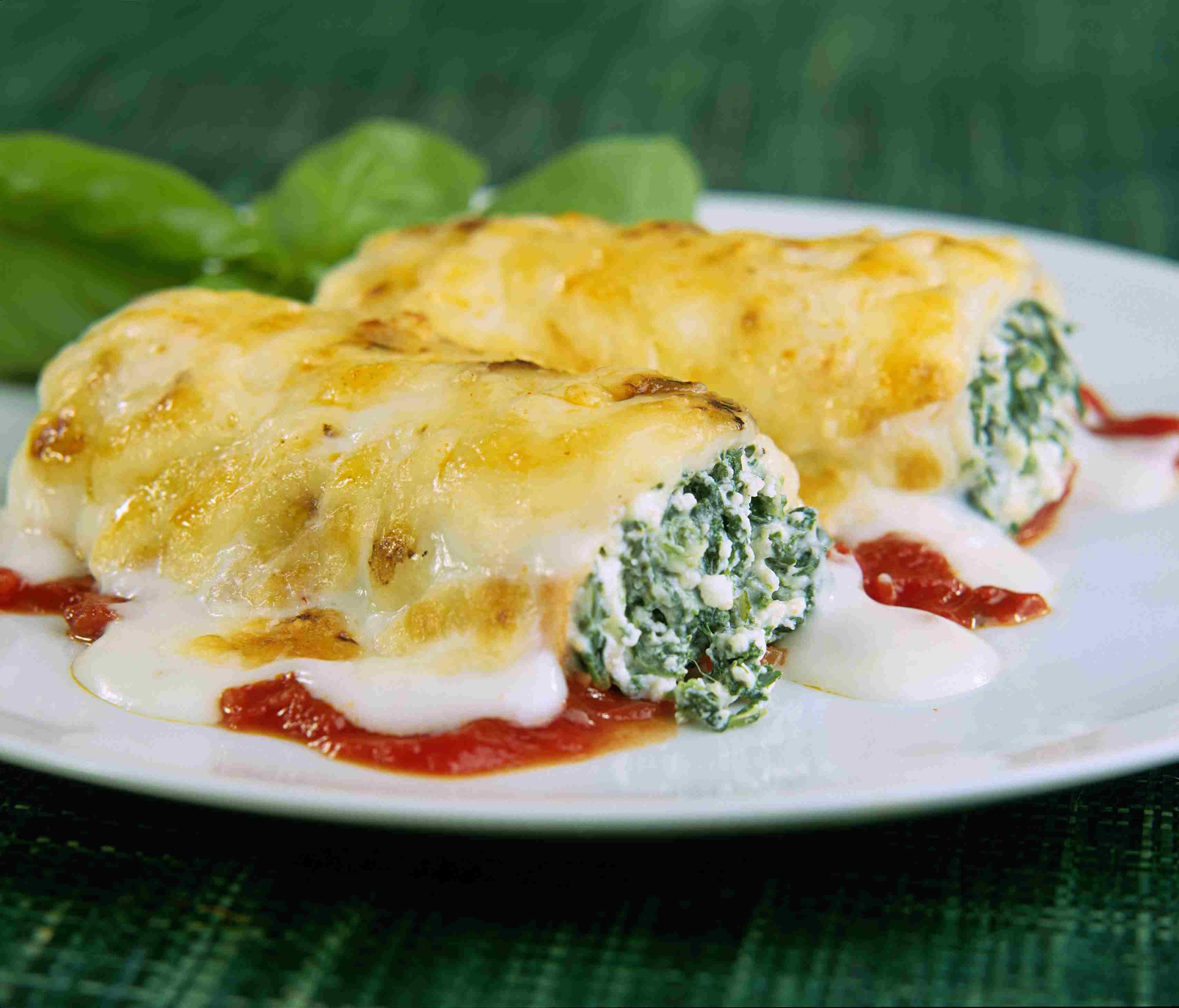 spinach and ricotta cannelloni manicotti