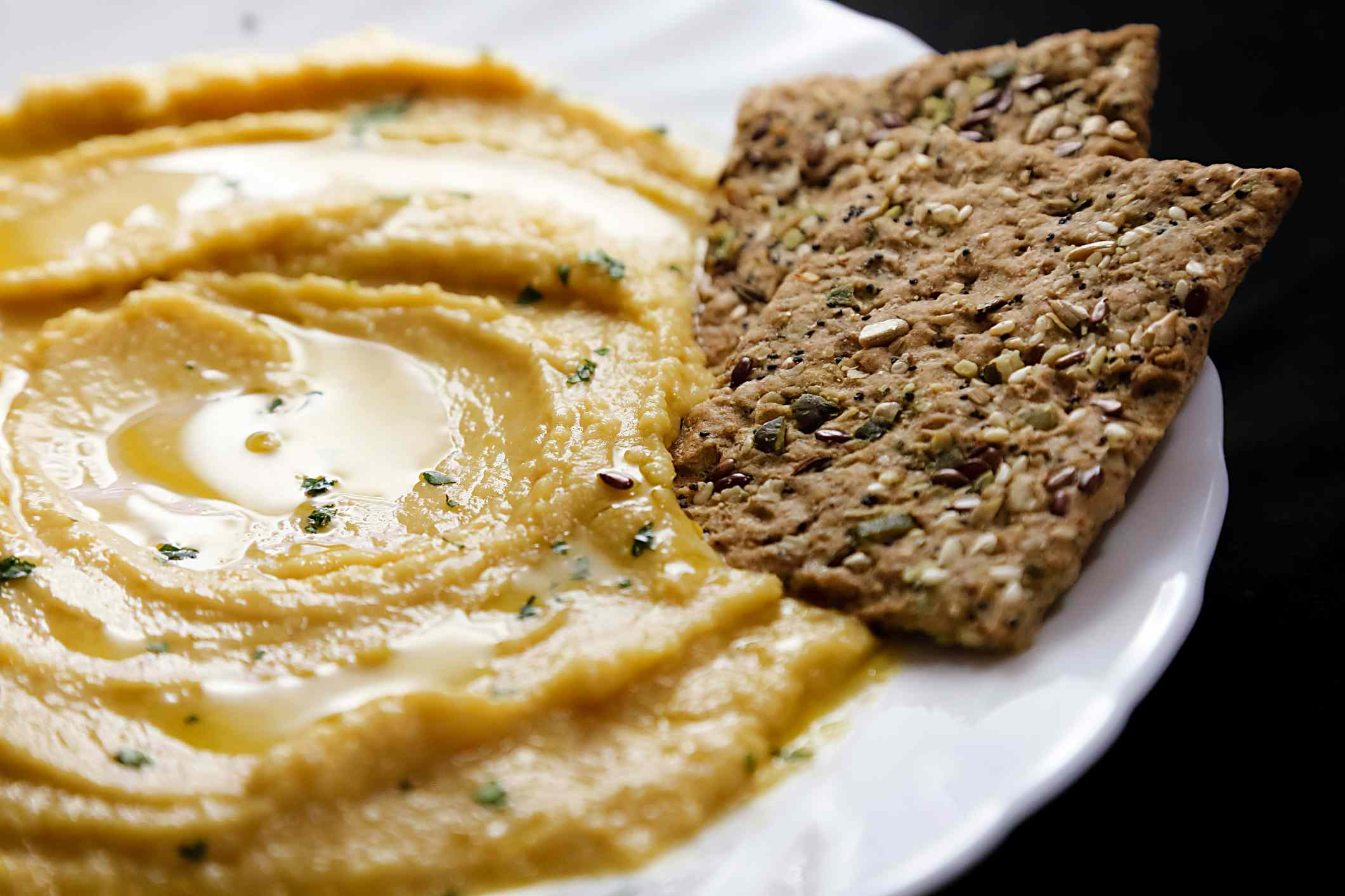 Flax crackers and hummus