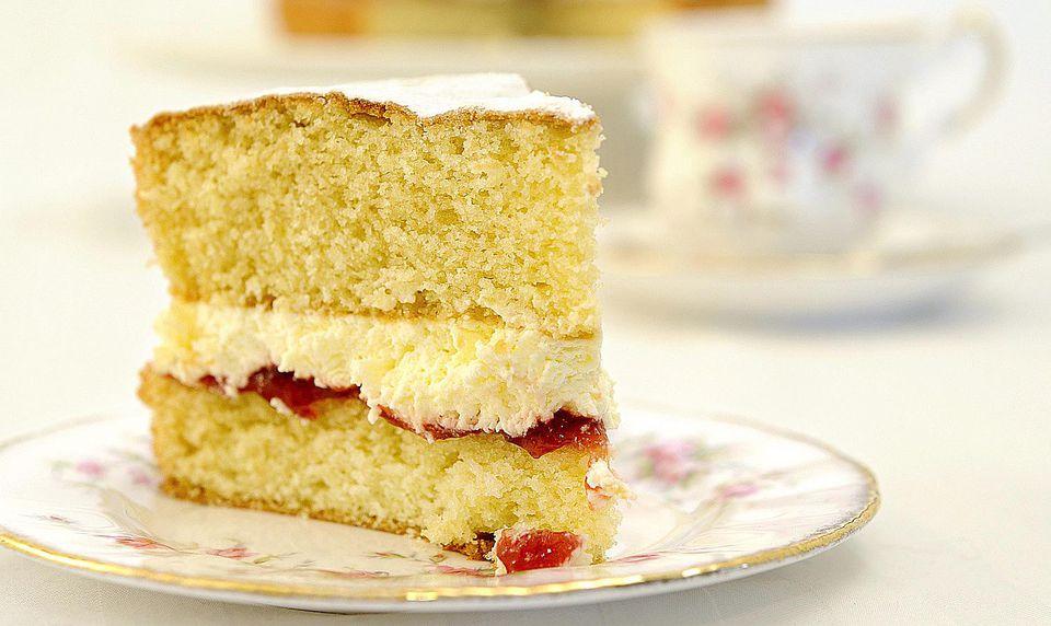 The Perfect Victoria Sponge Cake