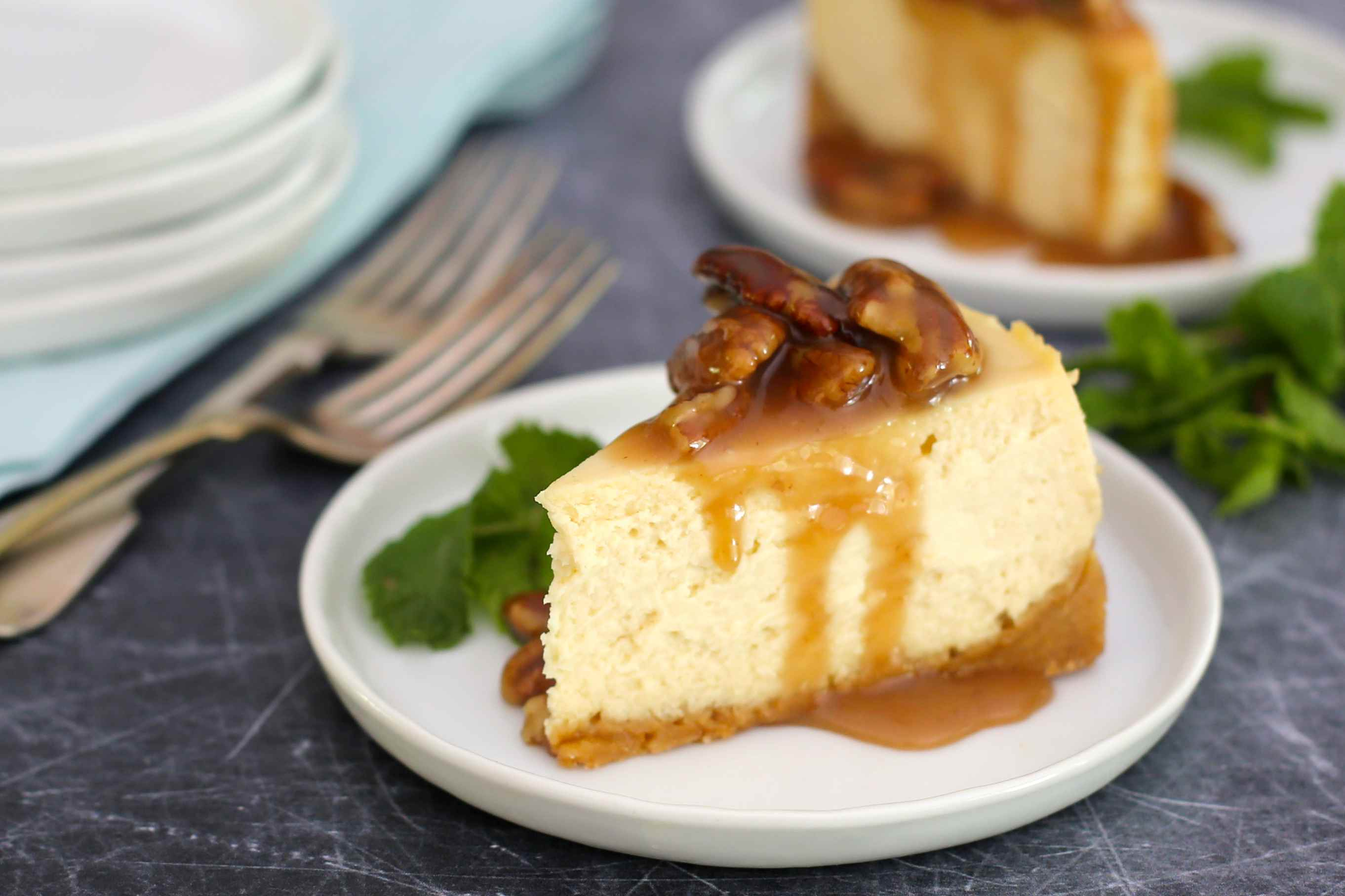 Drizzle topping over slices of cheesecake.