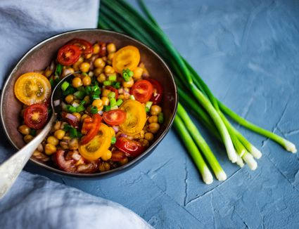 curried chickpeas and tomatoes