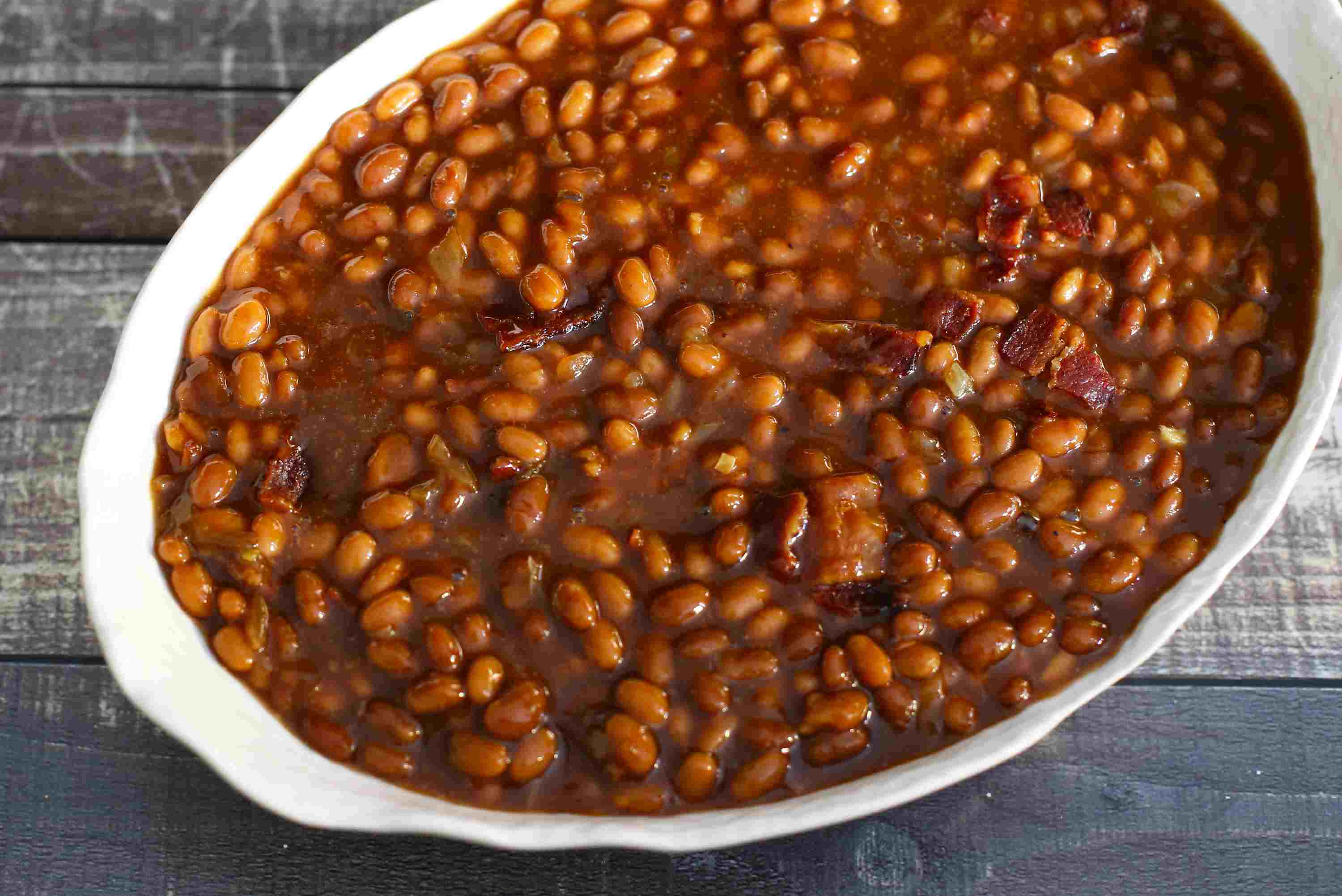 5-ingredient slow cooker beans with bacon