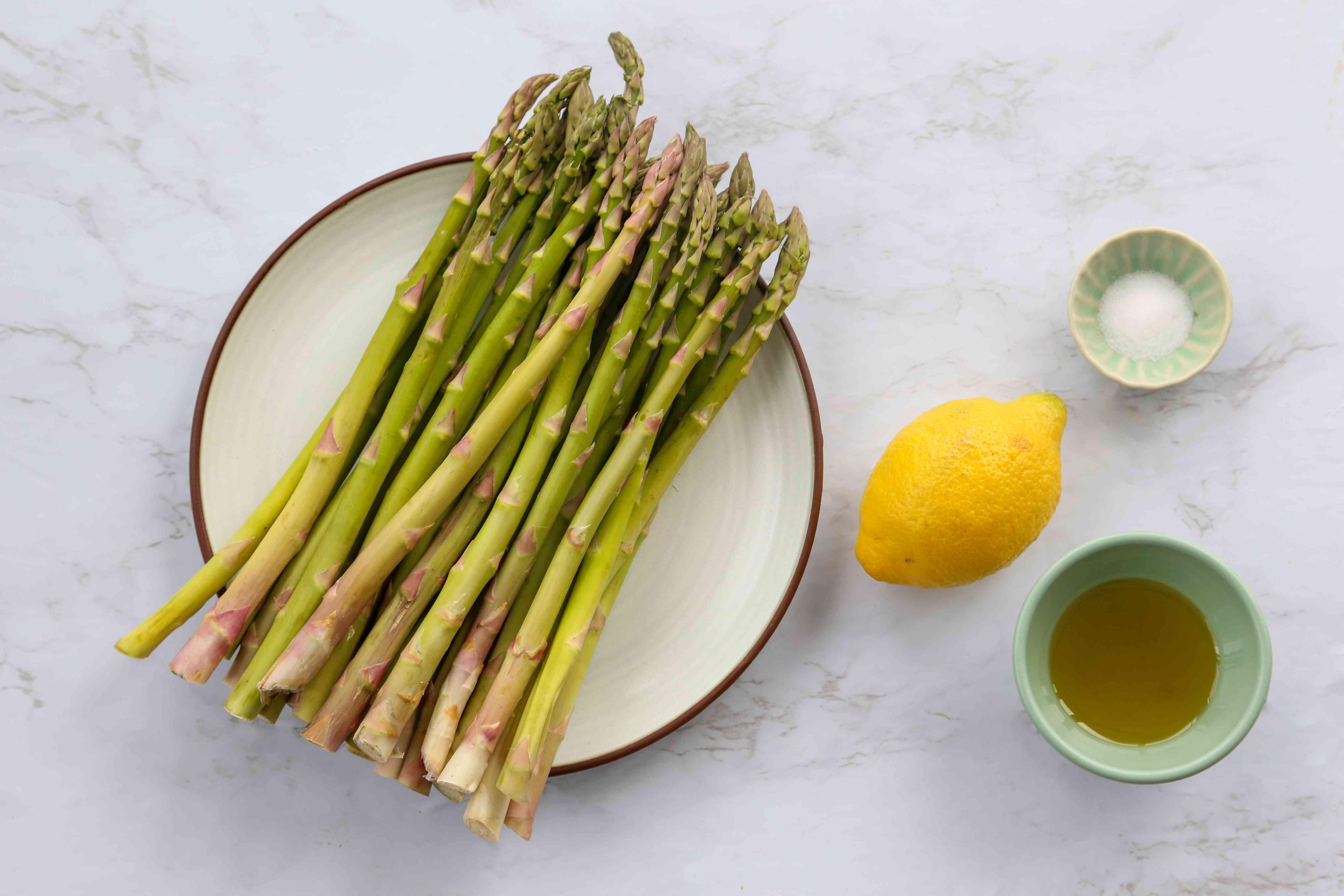 Easy Roasted Asparagus ingredients