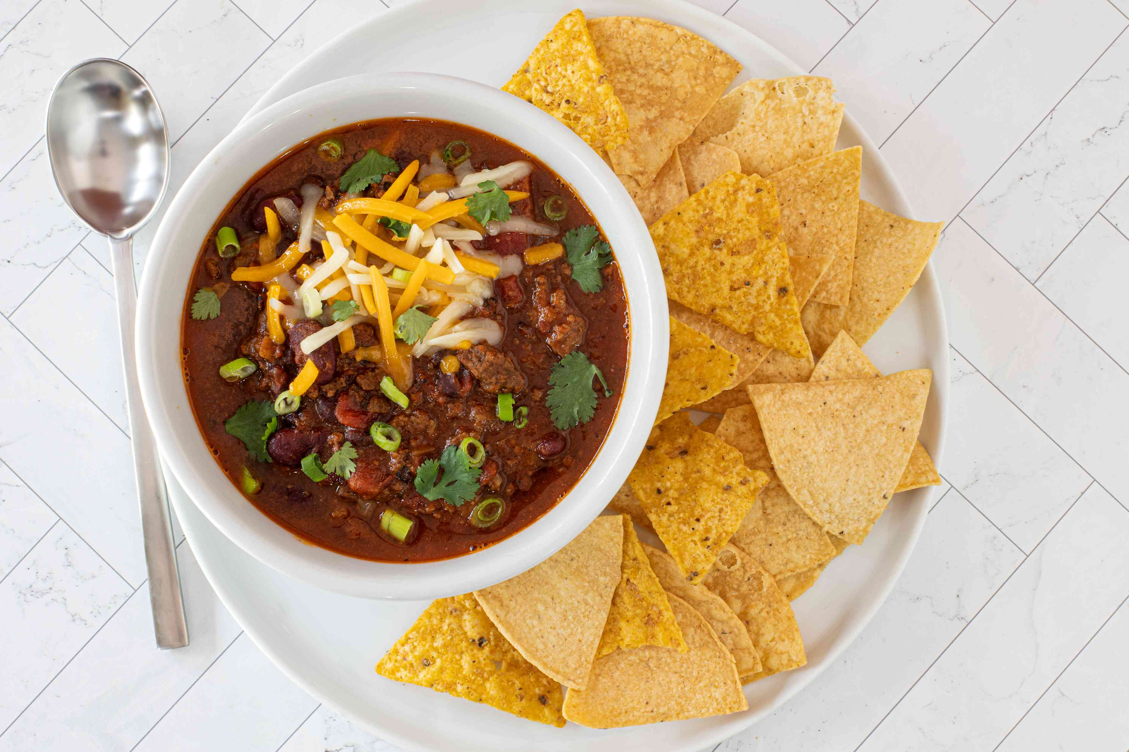 instant pot chili with chips on the side