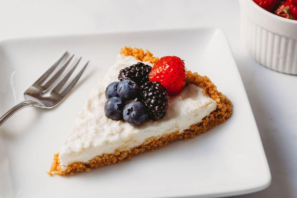 """Japanese-Style Rare """"No-Bake"""" Cheesecake With Yogurt"""