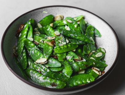 Snow peas and butter and lemon