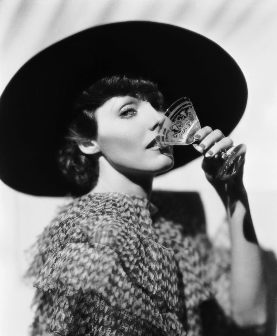 Glamorous Cocktails for Hollywood Parties